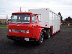 1964 IH CO-1800 Loadstar (SweetwaterTrucker) Tags: truck international loadstar cabover co1800 beveragetrailer