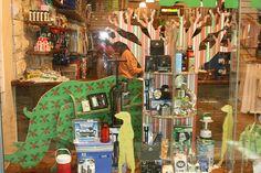 Eco-friendly X-Board animals for retail display by Xanita.com