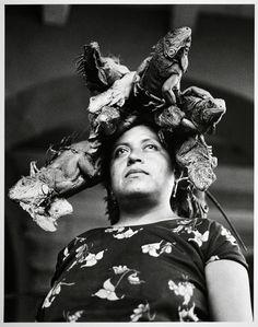 Nuestra Señora de las Iguanas Graciela Iturbide