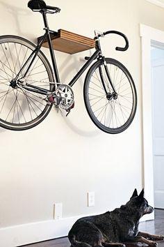 Não tem aonde guardar a bike? Que tal integra-las a decoração?