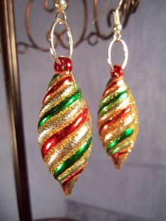 Holiday Cheer Spiral Dangle Fashion by BlinkingStarDesigns on Etsy, $3.95