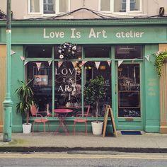 I have this thing with coffee shops ❤  #loveisart #dublincoffeeshop #dublincafes #igersdublin #visitdublin #breakfastistheway
