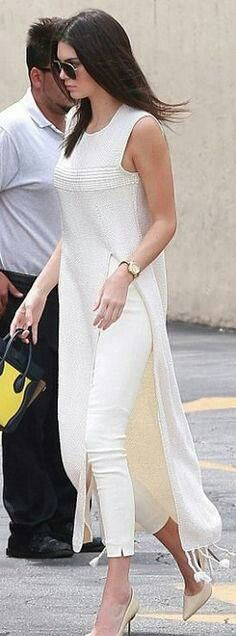Who made Kendall Jenner's nude pumps, fringe maxi tunic top, white pants, and print handbag? love this Look Fashion, Indian Fashion, Womens Fashion, Fashion Trends, Net Fashion, Jeans Fashion, Fashion Details, Street Fashion, Winter Fashion