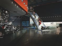 Milwaukee's Finest: The Harley-Davidson Museum - RoadRUNNER Motorcycle Touring  Travel Magazine (RM)