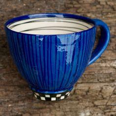 Kopper og krus fra Lone Volder Johnsens keramikværksted i Ollerup