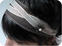 Cinta de pelo // Un bandeau pour cheveux Headband Tutorial, Ribbon Headbands, Couture Sewing, Crafts For Girls, Party Hairstyles, Look Fashion, Hair Pins, Your Hair, Hair Makeup