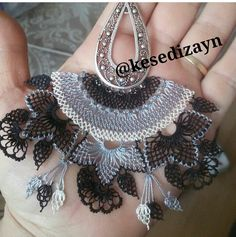 This Pin was discovered by Özl Pin On, Needle Lace, Lace Making, Knitted Shawls, Butterfly Wings, Crochet Accessories, Knitting Socks, Hand Embroidery, Tatting