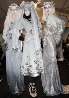 I've been collecting these images from Galliano's perfect, gaudy, vaguely-Russia-inspired F/W 2009 tidbits for a few months now, mostly for art and styling reference, but also because they make me happy.