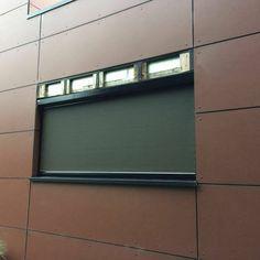 Allen producten onder een website. #screen #zip #ritsscreen #rolluiken #rolpoorten #garagedeuren #kozijnen #zonwering #raamdecoratie #rolgordijnen #duoshade #homedecor