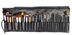 MAKEUP BRUSH 101. Everything you need to know from brushes, to proper storage, DIY cleaning options and more, by Barbies Beauty Bits. #DIY, #Beauty, #makeup