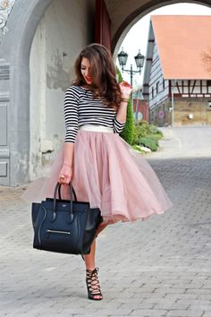 Chic Pink Tutu Tulle Skirts Women 4 Layers Fashion Midi Skirt New Fashion falda tul mujer Princess Short Party Gowns Custom Made Midi Rock Outfit, Midi Skirt Outfit, Black Tulle Skirt Outfit, Skater Skirt, Trend Fashion, Look Fashion, Autumn Fashion, Fashion News, Fashion 2015