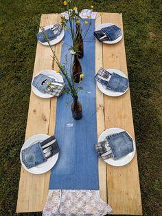 Denim & Lace Table Runner Distressed Jean Wedding Decor Denim Runner Shabby Source by jeans Denim And Lace, Artisanats Denim, Blue Denim, Jean Crafts, Denim Crafts, Denim Decor, Jeans Wedding, Denim Wedding Dresses, Party Dresses