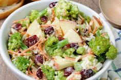 Broccoli cranberry salad is infused with color, crunch, and flavor. It's the perfect mixture of broccoli, apples, cranberries & a spoonful of lemon syrup. Tasty Broccoli Recipe, Healthy Broccoli Salad, Broccoli Recipes, Pasta Recipes, Real Food Recipes, Cooking Recipes, Healthy Recipes, Recipe Pasta, Broccoli Chicken