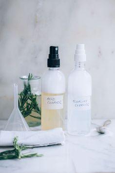 2 DIY All Purpose Cleaner Recipes (+ When To Use Baking Soda vs Vinegar)   Hello Nest #BakingSodaForSkin Baking Soda For Cooking, Baking Soda Beauty Uses, Baking Soda Health, Baking Soda Uses, Baking Soda Baking Powder, Baking Soda Shampoo, Honey Shampoo, Dry Shampoo, Natural Shampoo