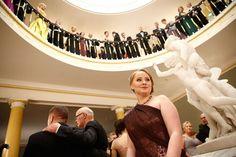 Lastensairaalalle yli 50 000 euroa kerännyt 18-vuotias Anna Rukko on juhlien nuorin vieras.