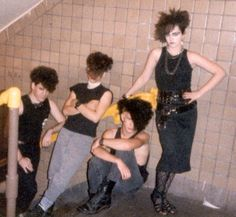 naked apneatic goth glam pics