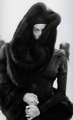 Мои закладки Peter Lindbergh, Tatjana Patitz, Vintage Fur, Vintage Vogue, Photo Hacks, Azzedine Alaia, Linda Evangelista, Moda Fashion, Mode Inspiration