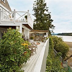 Homeowner Jerry West Sanders transformed this Steamboat Island, Washington, cottage into her dream home. | Coastalliving.com