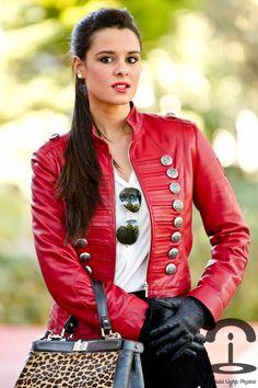 Chaqueta militar | Crimenes de la Moda - Military jacket - Leather - Imperio Clandestino - Animal print - Estampado leopardo - pony tail - red jacket - cazadora roja