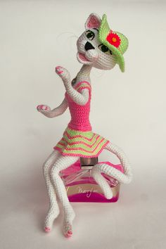 Amigurumi Glam Pussycat. Crochet cat with perfect dress. Amigurumi pattern is available. #InspiredCrochetToys by Pichugina Elena
