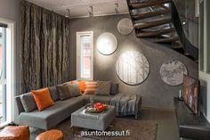 Gradon LUMO-porras Noppakodissa Jyväskylän asuntomessuilla #asuntomessut2014 Decor, Furniture, Living Room, Home, Interior, Couch, Sectional Couch, Home Decor, Room