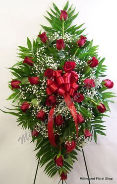 Rose easel spray Source by bykkalender Casket Flowers, Grave Flowers, Church Flowers, Funeral Flowers, Wedding Flowers, Funeral Floral Arrangements, Rose Arrangements, Arco Floral, Funeral Sprays