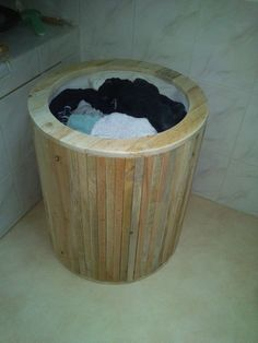 DSC 0262 600x800 Laundry basket from pallets / corbeille a linge in pallet bathroom ideas diy pallet ideas  with pallet