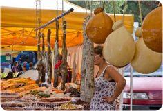 Antipasti, Salami, Formaggio, Verdure, Frutti e Dolci – Bilder vom Markt in Luino
