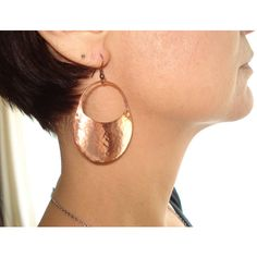 Hammered Copper Crescent Hoop Earrings Contemporary Riveted Hoops... (€25) ❤ liked on Polyvore featuring jewelry, earrings, hammered copper jewelry, copper earrings, earrings jewellery, hammered copper earrings and copper hoop earrings