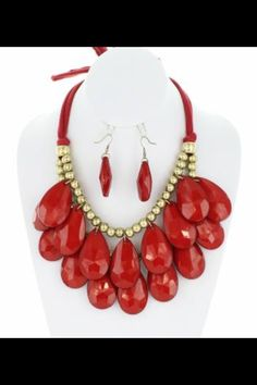 The bold statement necklace .
