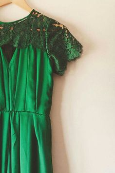 the perfect emerald Bridesmaid Dresses, Prom Dresses, Bridesmaid Ideas, Emerald Green Weddings, Emerald Dresses, Wedding Styles, Wedding Ideas, Playing Dress Up, Get Dressed