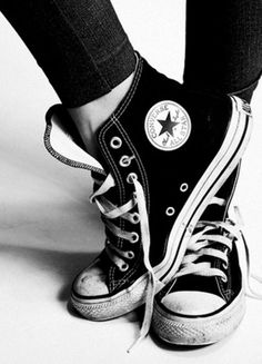 595fe5d576a5 I already own black converse but their not high tops. I would love to get  High Top Converse. Would look super cute w  leggings