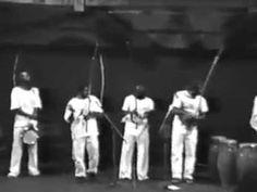 IESAMBI, Associação de Capoeira - ASCAMG, e Grupo Meia Lua: Lançamento d...