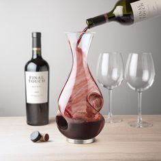 This Final Touch conundrum aerating wine decanter with two-phase aeration is a must have bar gift and perfect for any wine lover. This unique carafe will enhance both flavour & wine aroma Thoughtful Wedding Gifts, Wedding Gifts For Couples, Wedding Games, Wedding Ideas, Wine Dispenser, Tequila Bottles, Wine Bottles, Wine Carafe, Grand Cru