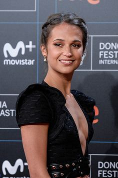Alicia Vikander Wears Louis Vuitton at the San Sebastián Film Festival (II)