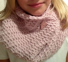 We're ♥-ing to see your DROPS♥You creations! This lovely cowl is by Haugen Haugen Haugli Knitted Gloves, Knitted Shawls, Crochet Scarves, Knit Or Crochet, Learn To Crochet, Drops Patterns, Cowl Patterns, Knit Art, Drops Design
