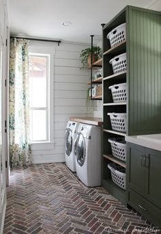 75 farmhouse laundry room decor ideas farmhouse decor ideen farmhouse laundry room decor ideas farmhouse decor ideen waschkucheOur DIY farmhouse laundry room - The Reveal!DIY Farmhouse Laundry Room - Click through for a source Mudroom Laundry Room, Laundry Room Layouts, Laundry Room Remodel, Small Laundry Rooms, Laundry Room Organization, Laundry Room Design, Laundry In Bathroom, Laundry Decor, Laundry Room With Storage