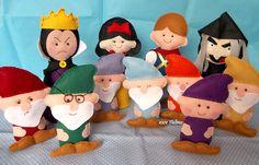 1001 Feltros: Brancas de Neve, bruxas, príncipe e 21 anões....