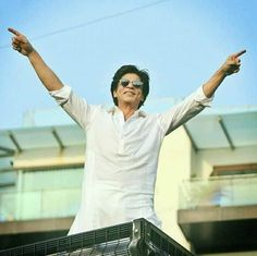 Shahrukh Khan, Sr K, Cinema, King Of My Heart, Happy Boy, Dimples, Your Smile, Crowd, Bollywood