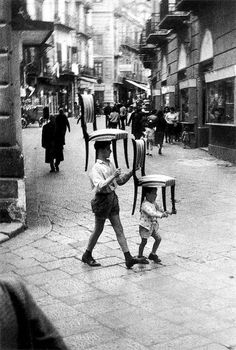Enzo Sellerio - Black and White Photographs Captured Everyday Life in Palermo, Sicily in the 1950s and 1960s