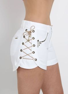 Not fan of Shorts but it's cool Stylish Outfits, Cool Outfits, Summer Outfits, Girl Fashion, Fashion Outfits, Womens Fashion, Fashion Trends, Trending Fashion, Diy Clothes
