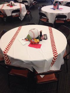 how to make tablecloth look like a baseball Softball Party, Baseball Party, Sports Party, Baseball Mom, Senior Softball, Softball Stuff, Sports Baseball, Baseball Centerpiece, Baseball Decorations