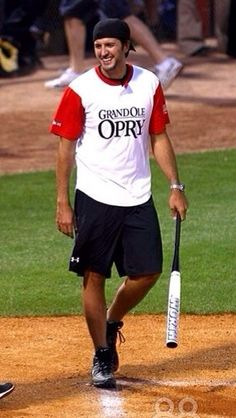 Baseball just became my favorite sport if Luke Bryan plays
