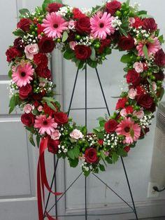 Vintage Flower Arrangements, Funeral Floral Arrangements, Creative Flower Arrangements, Rose Arrangements, Flower Wreath Funeral, Funeral Flowers, Casket Flowers, Silk Flowers, Petals Florist