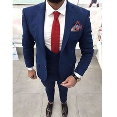 Merry Christmas _________________________________ @haruntarz #mensfashion #Bespoke #Mens #fashiontrends #lifestyle #manly #fashionblog #Dapper #men #FashionAddict #Classy #fashiongram #dappersuit #suitandtie #guys #ootdmen #menwithclass #Guyswithstyle #menwithstyle #suited #Class #meninsuits #london #wcw #styleadvice #alexandercaineuk #rayyounis #italiandesign