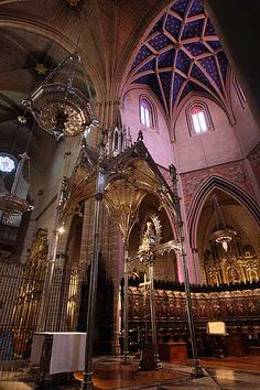 Cathedral of Pamplona, Spain Best Places To Live, The Places Youll Go, Places To See, Beautiful Buildings, Beautiful Places, Church Architecture, Cathedral Church, Spain And Portugal, Place Of Worship