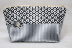Federmäppchen - Federtasche Etui Mäppchen Federmäppchen Tasche - ein Designerstück von claudiskruemelkiste bei DaWanda