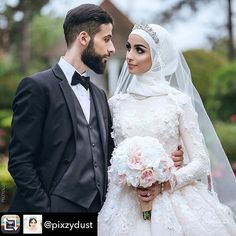 @pixzydust is the closest thing I've seen to a modern-day princess! How stunning is she? Happy one-year anniversary! Peonies Bouquet, Rose Bouquet, Peony, Happy One Year Anniversary, Silk Wedding Bouquets, 2018 Wedding Trends, First Year, Corsage, Wedding Accessories