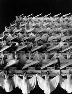 "Busby Berkeley, ""Gold Diggers of 1935"" (1935)"