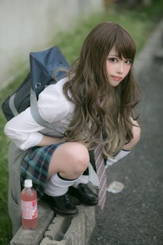 *Closet cosplay connoisseur* The best of: Cosplay. Zettai Ryouiki DISCLAIMER: I own none of. School Girl Japan, School Girl Outfit, Japan Girl, Girls School, School Uniform Girls, Asian Cute, Cute Asian Girls, Cute Girls, Beautiful Japanese Girl